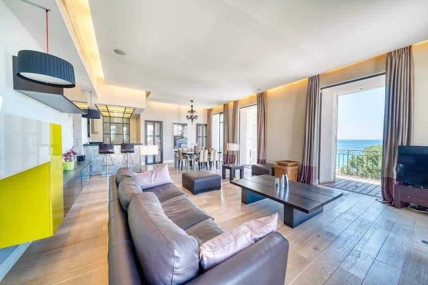 Living-room Wooden floor